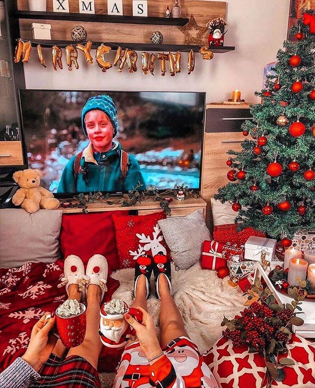 Santa Claus On Instagram 143 Days Left Until Christmas Follow Santaclaus Wintermood Wintert In 2020 Christmas Christmas Scenes Christmas Snow