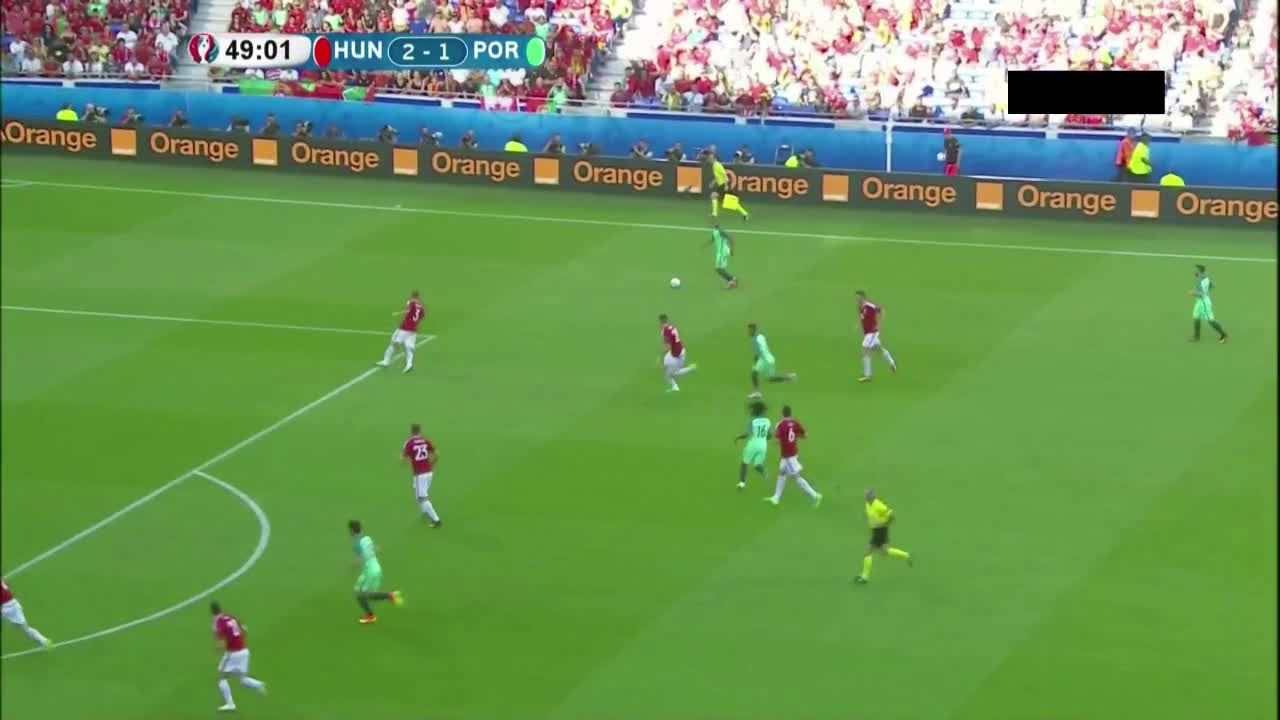 Cristiano Ronaldo scores a beauty vs Hungary to level the scores at 2-2 http://ift.tt/28PJoaX Love #sport follow #sports on @cutephonecases