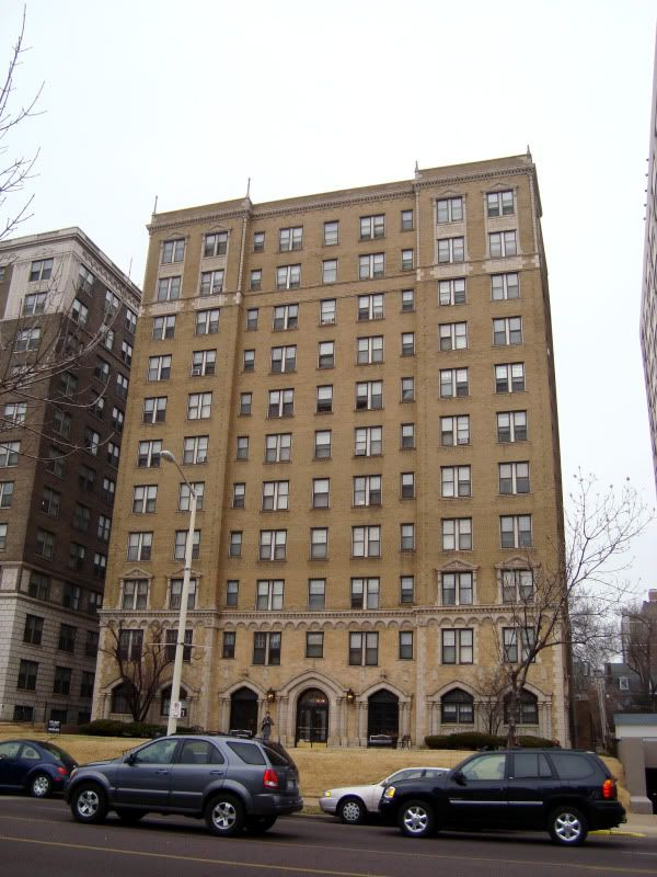 Lindell Blvd apartment building, Central West End, St. Louis, MO.