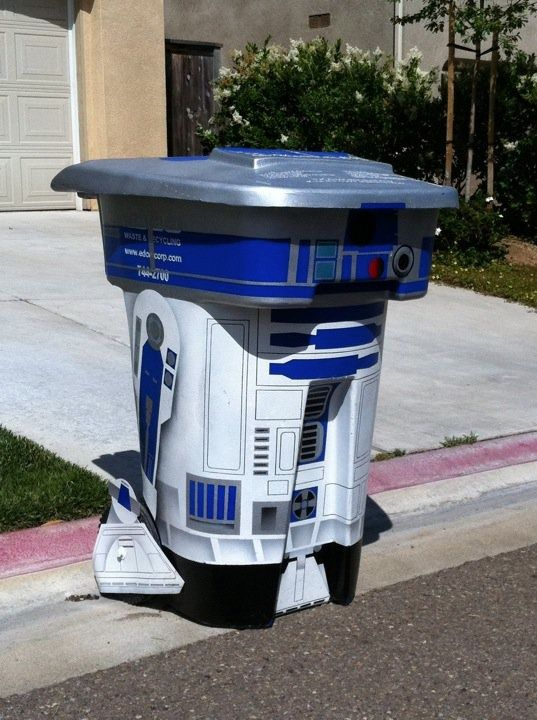 R2-D2 Grabage Can ... Love it!