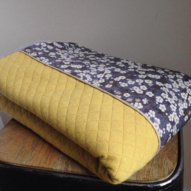 couverture bébé matelassée Couverture bébé, matelassé jaune et Liberty : Linge de lit enfants  couverture bébé matelassée