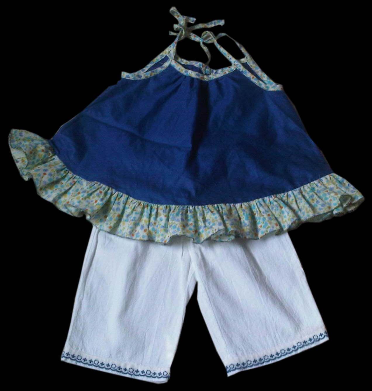 conjunto de bata con volados y pantalón estilo capri para niñas