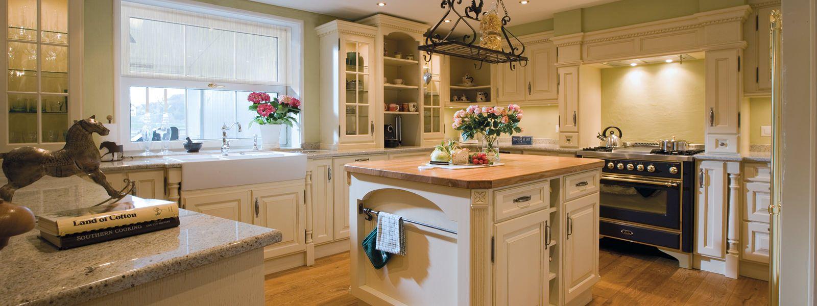 Küche Landhausstil | wohnwertig.com | Hauswünsche | Pinterest ...