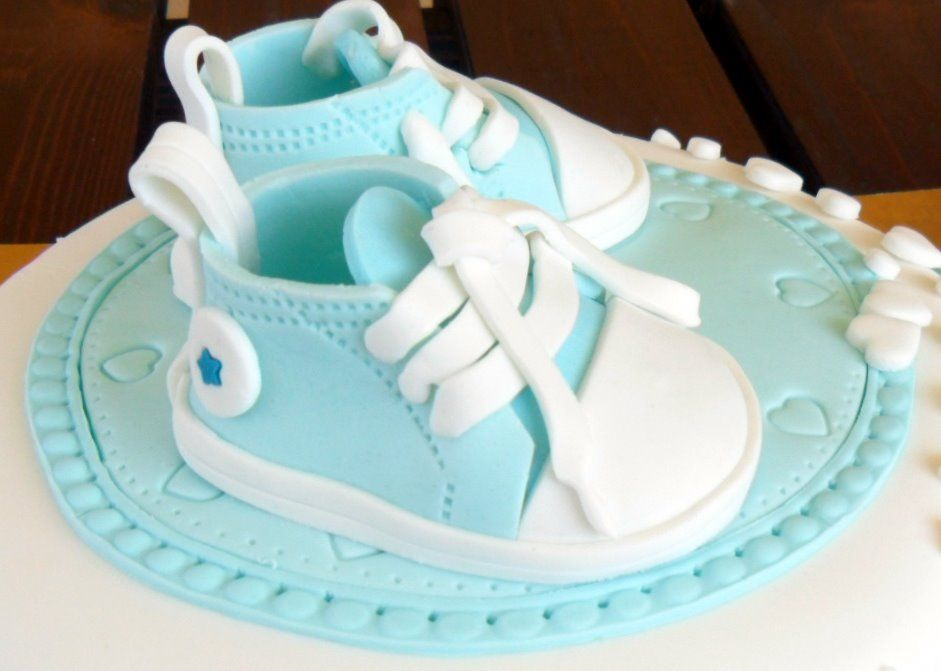 Cake decorating tutorial | How to make baby converse shoes | Sugarella Sweets