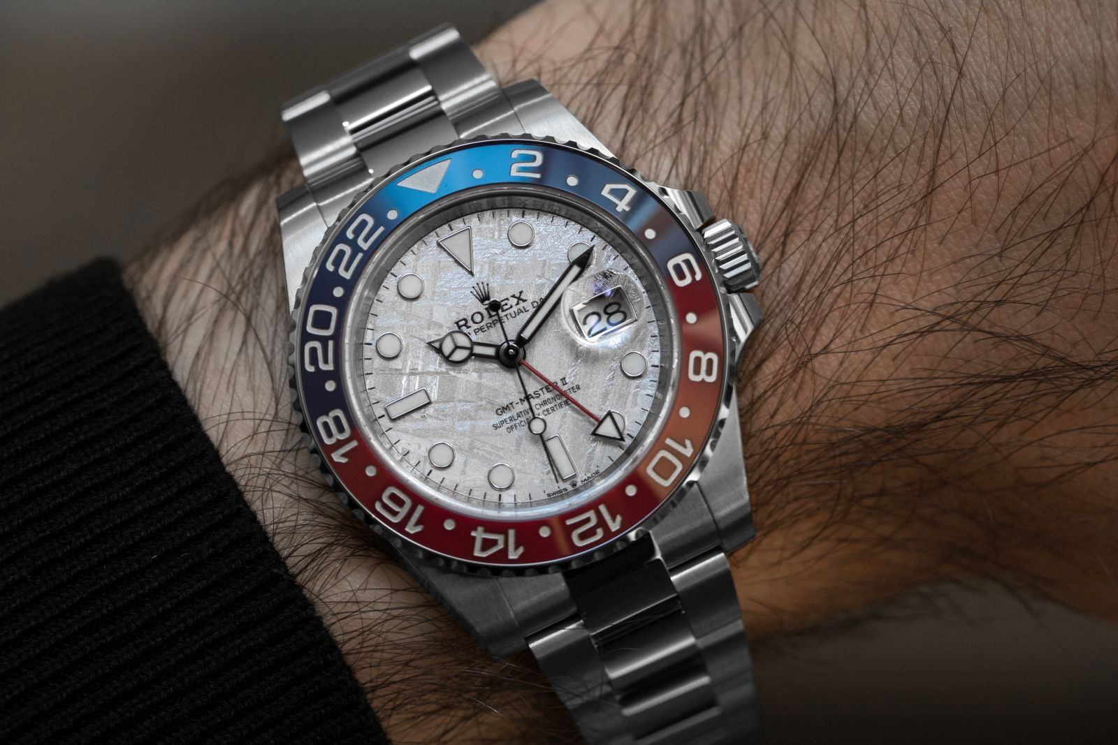 Rolex Is Presenting A New Version Of The Oyster Perpetual Gmt Master Ii In 18ct White Gold With A Bidirectional R Rolex Rolex Oyster Perpetual Oyster Perpetual