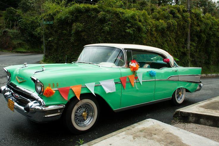 Boda temática: México / Este es el carro en el que llego la novia / Fotografía: Natalia Castro.