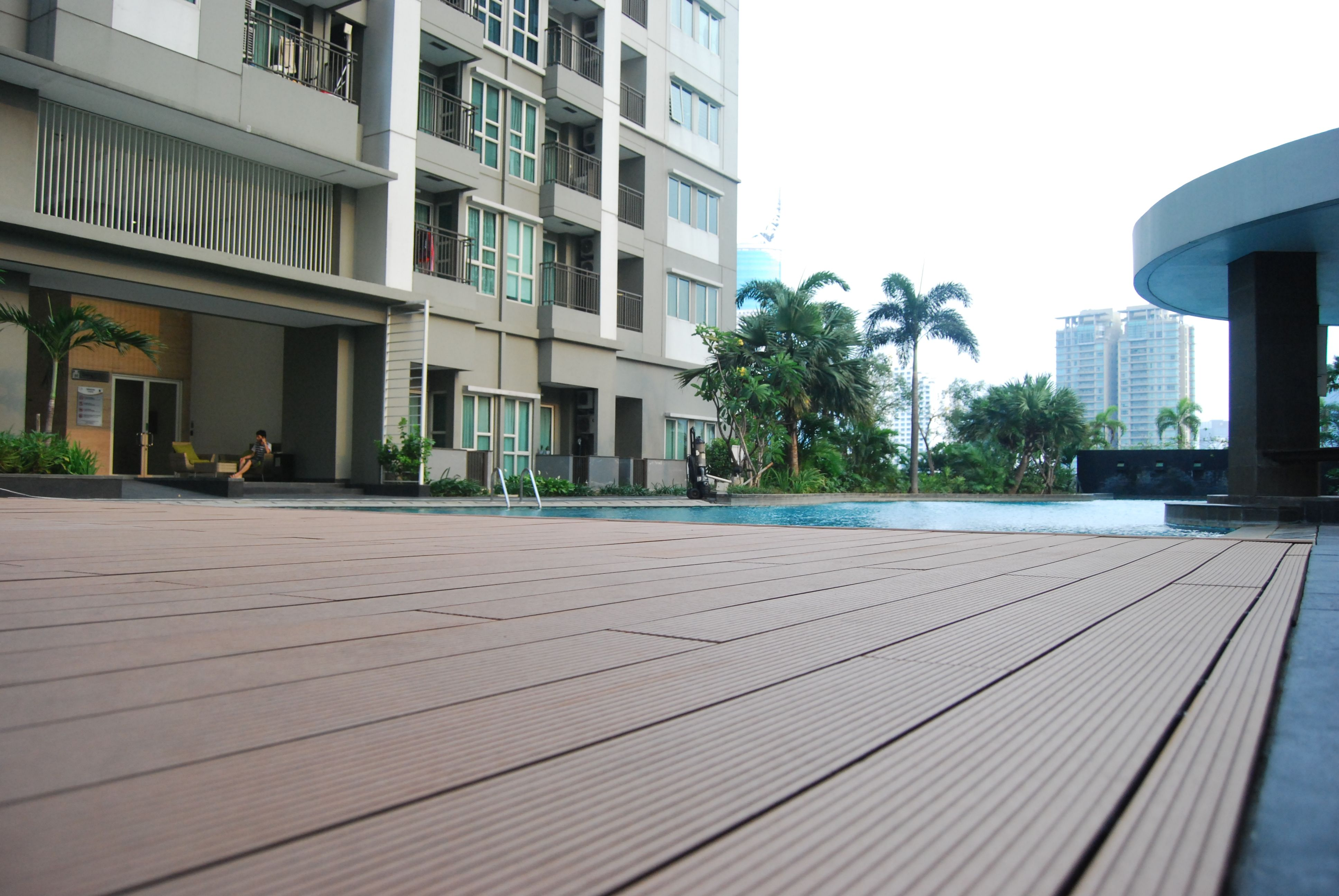 outdoor interlocking deck tiles lowes whats the disavantage of white