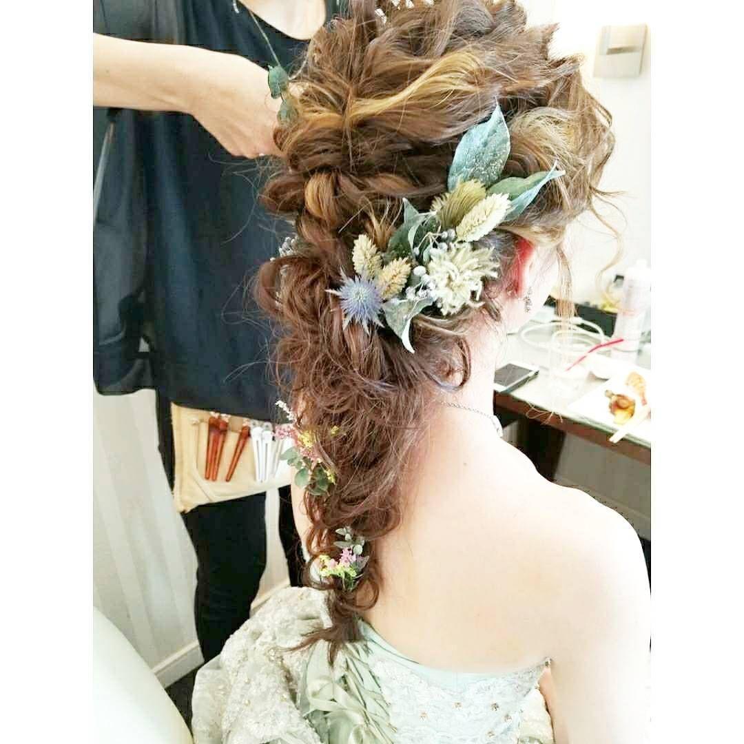 カクテルドレスヘアーセット 波ウェーブ ハイライト ゆるい感じ お望み通りになりました 結婚式 披露宴 シェルエメール アイスタイル ウェディングヘア ブライダルヘア ヘアーセット 編み込みアレンジ 編み込みヘア 波ウェーブ ハイライト ウェディングドレス