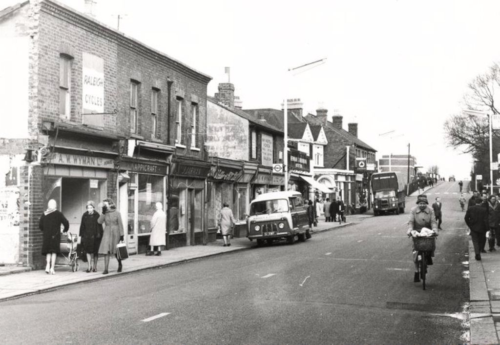 Feltham High Street C1950 S With Images Middlesex Street