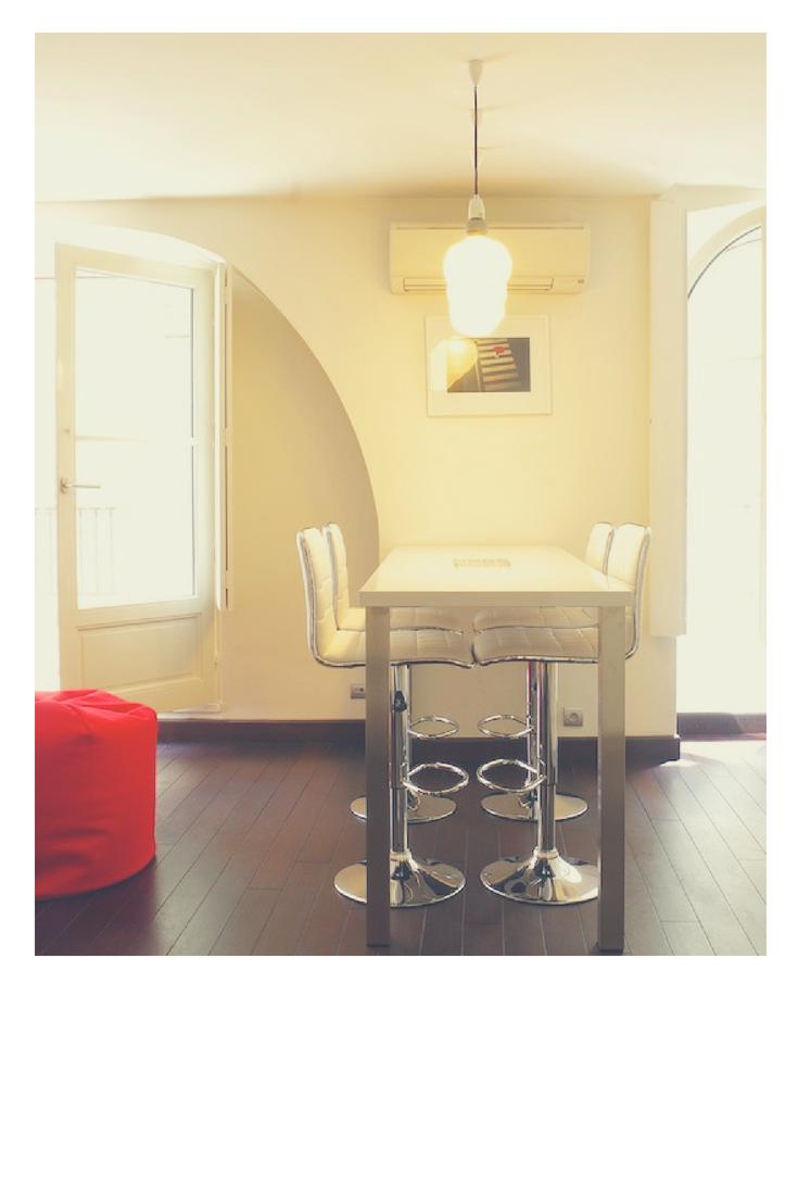 A Very Light Livingroom In Grands Hommes Apartment Modern Interiordesign Design Bordeaux Appartement Meuble Appartement Location Appartement