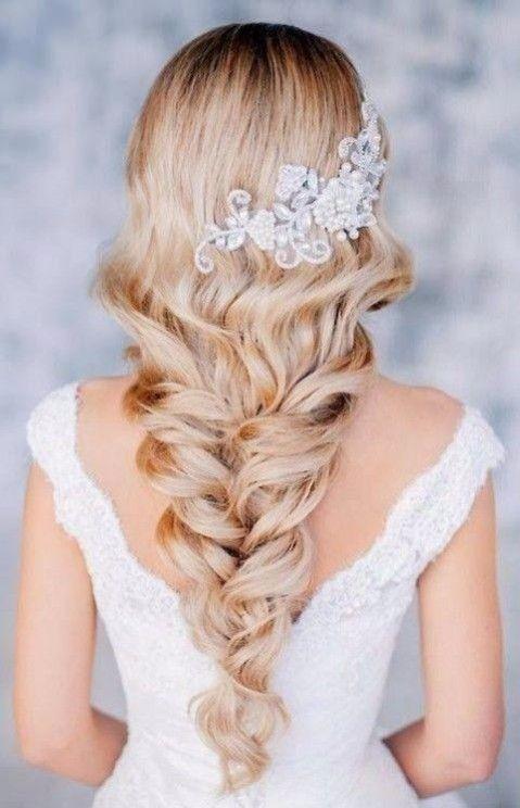 Inspiration coiffure de mariée Frozen avec des tresses