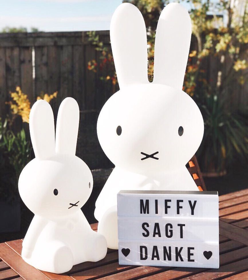 "204 Likes, 4 Comments - Miffy Official Deutschland (@miffy_official_germany) on Instagram: ""🎊1.000 Follower!🎊 MIFFY sagt DANKE! 😘 ▫️ #miffy #nijntje #wasmiffymag #danke #1000 #followers…"""