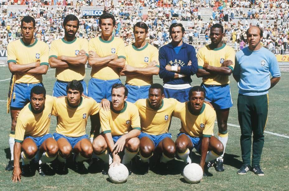 Equipe Da Selecao Brasileira Posada Antes Do Jogo Entre Brasil 3 X 2 Romenia Partida Valida Pela Copa Do Mundo De Futebol No Estadio Calciatori Sport Calcio