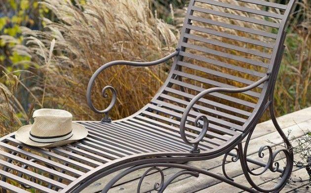 Gartenliege Im Aussenbereich Gestalten Sie Eine Coole Erholungsecke Gartenliege Gartenliege Design Gartengestaltung