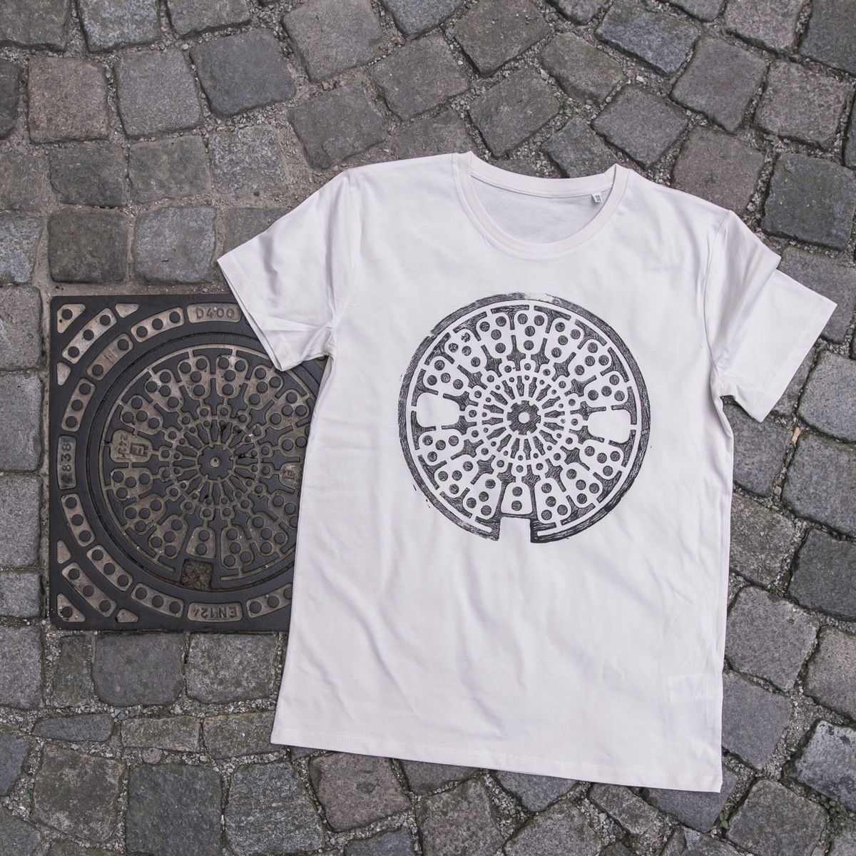 Unique Prints Of Surfaces Of The Urban Landscape And Other Elements On Streetwear Printed Directly On Site In The Streets Printed Shirts T Shirt Unique Print