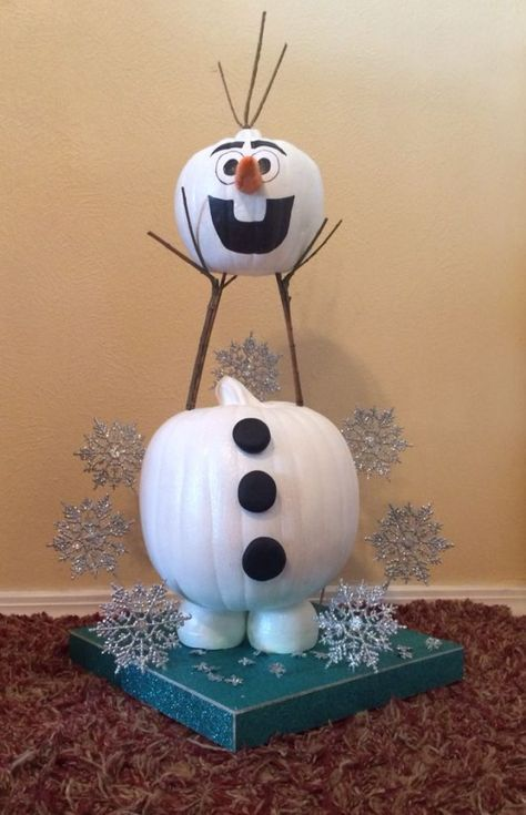 Make an Olaf Pumpkin for a fun Frozen Halloween centerpiece - halloween centerpiece