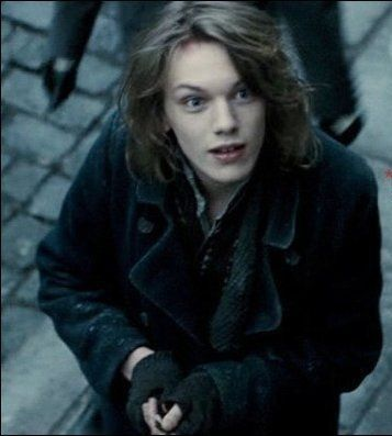 Jamie Campbell Bower As Anthony In Sweeney Todd Demon Barber On Fleet Street Jamie Campbell Jamie Campbell Bower Sweeney Todd
