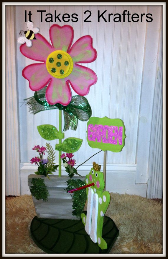 Frog Daisy Outdoor Garden Decor by Ittakes2krafters on Etsy @etsy  #outdoor garden