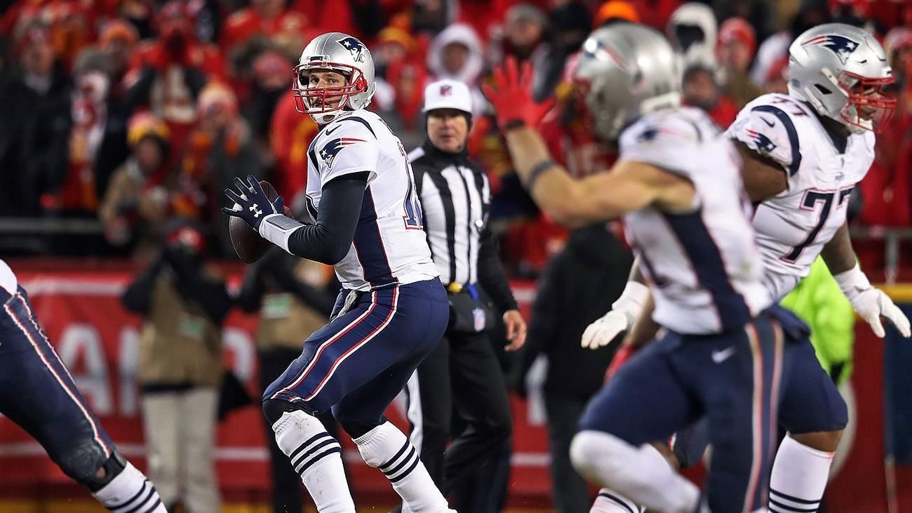 Once The Coin Came Up Heads Tom Brady Was Money In The Bank Tom Brady New England Patriots Julian Edelman