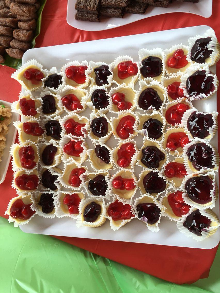 Bluberry & Cherry cheesecake tarts