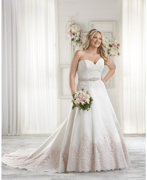 c59123b9f7 1604 - This traditional gown has the option of a modern splash of ...
