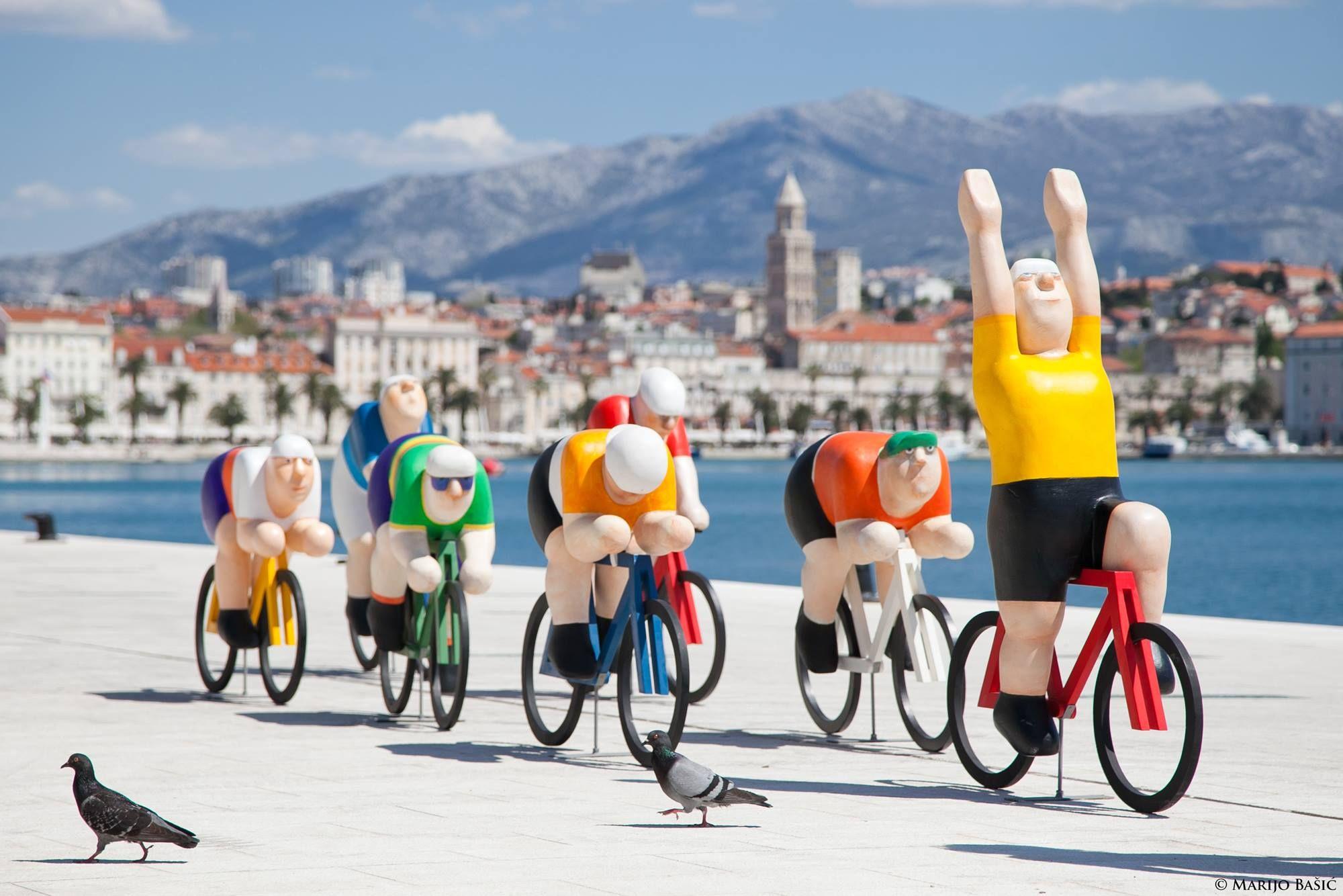 Otvorena Izlozba Splitski Val U Sveucilisnoj Galeriji Vasko Lipovac Cycling Art Art Val