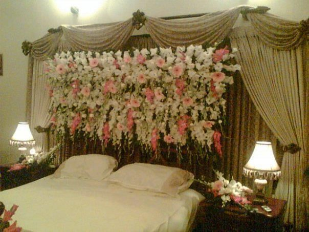 simple | Wedding room decorations, Wedding night room ...