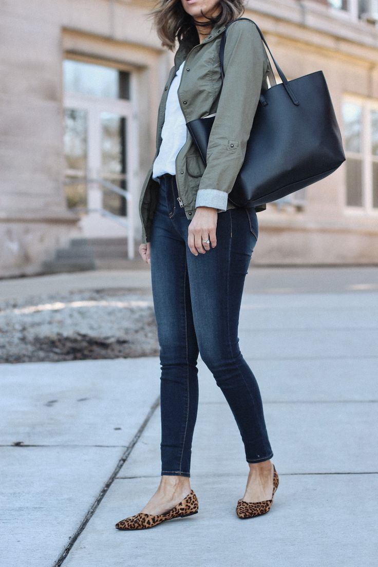 Spring Staples #leopardshoesoutfit Spring transitional outfit: White t-shirt, olive military jacket, skinny jeans, leopard shoe, black tote bag #leopardshoesoutfit