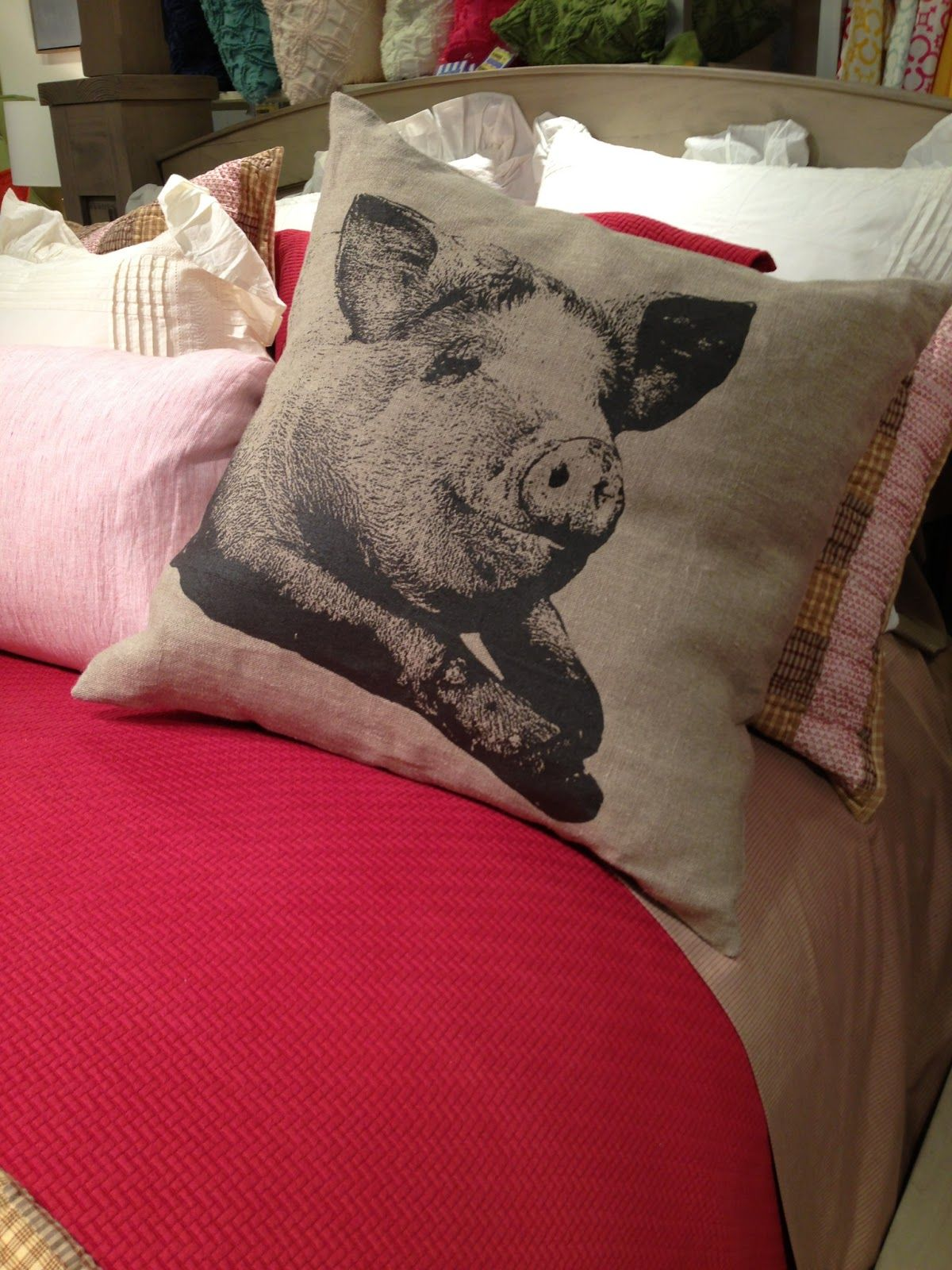 Oink, Oink. Adorable little pig pillow. Home and Lifestyle Design
