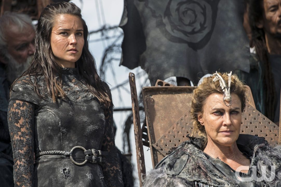 The 100 Photos Watch The Thrones The 100 The 100 Season 3 Kanye West Songs