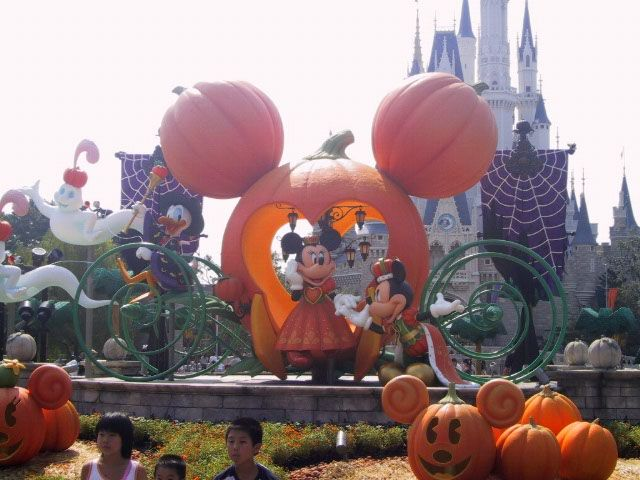 disney halloween decorations - Google Search Disney Pinterest - not so scary halloween decorations