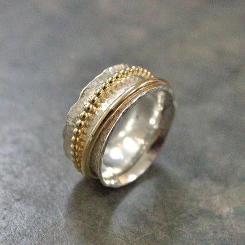Zilveren ring met vergulde bolletjes €119 merksieraden.nl