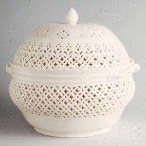Chestnut Bowl Leedsware Eggshell