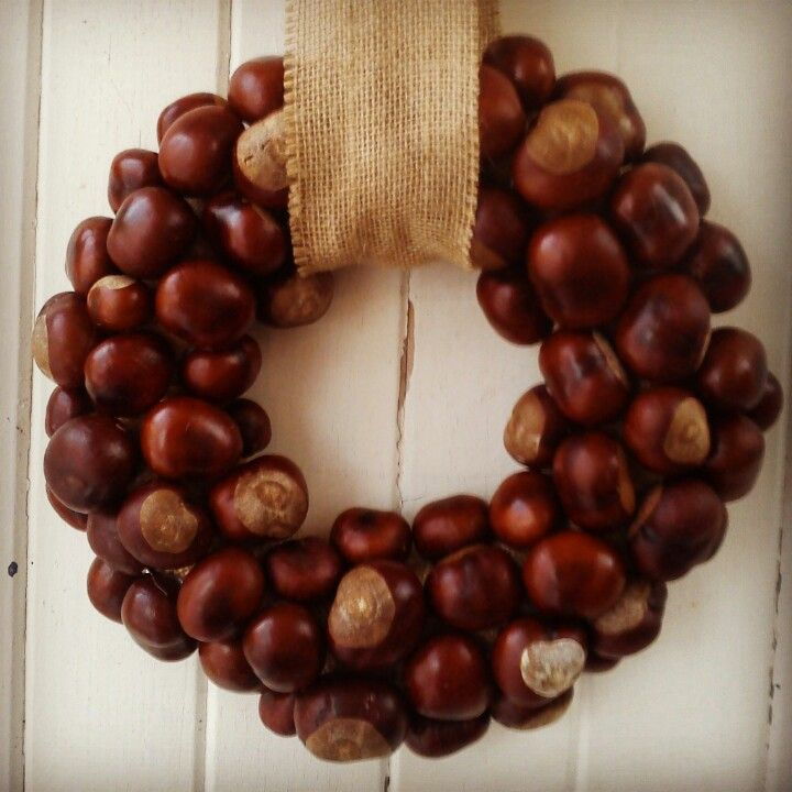 conker wreath made by flowers by juliette autumn decoration pinterest conkers buckeyes. Black Bedroom Furniture Sets. Home Design Ideas