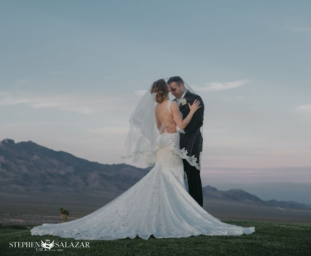 A touch of elegance las vegas golf course wedding at the paiute