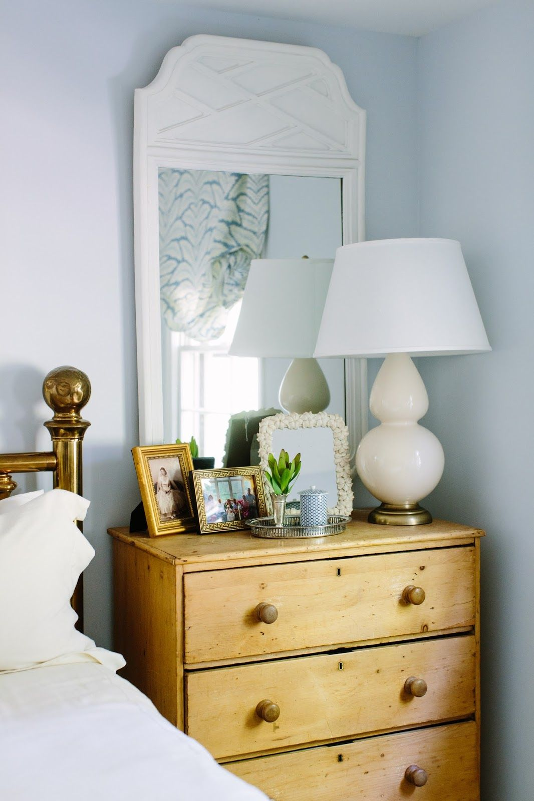 Fine I Suwannee The Real Raleigh Anna Applegate Bedside Table Download Free Architecture Designs Itiscsunscenecom