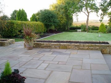 Indian Sandstone Paving And Walling In A Garden Near Evesham Worcestershire Townhouse Garden Patio Garden Sandstone Paving