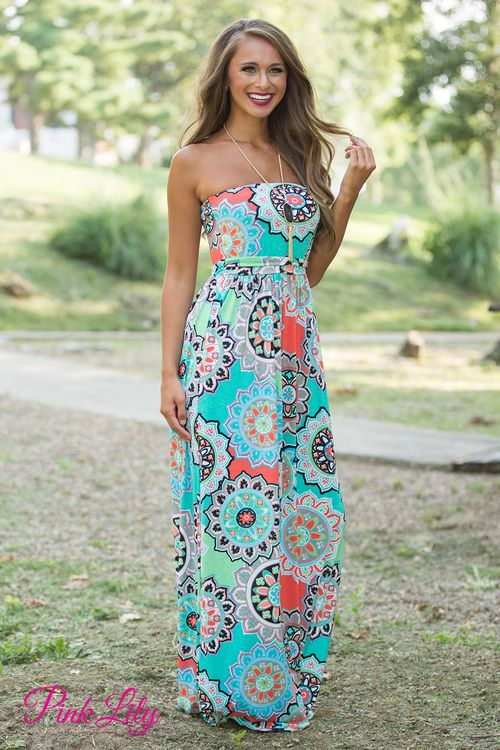 If you love our Come A Little Closer Maxis in Mint and Navy, you're sure to love this gorgeous strapless maxi!