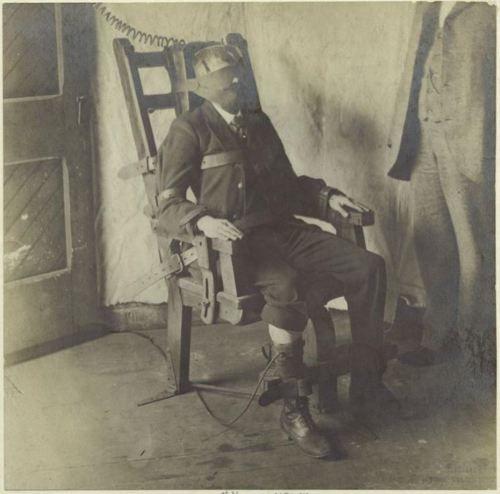 Ca 1908 Gentleman In Electric Chair Ashley Wood Creepy Historical