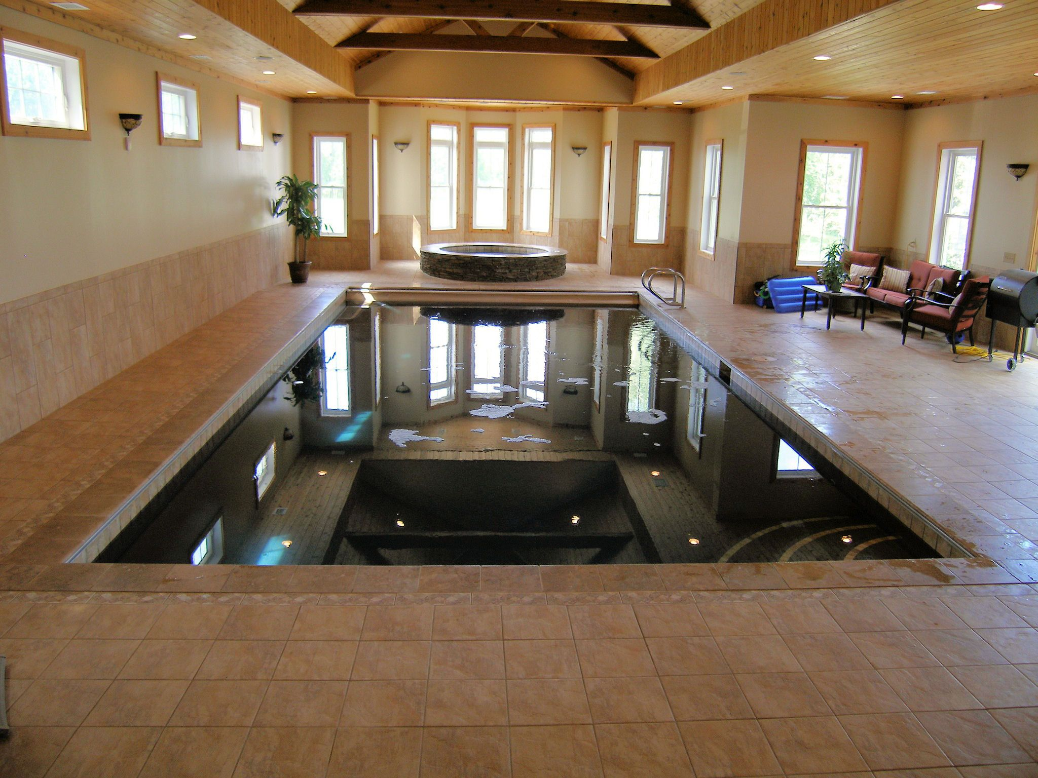 16x32 rectangle gunite indoor swimming pool with 7ft spa