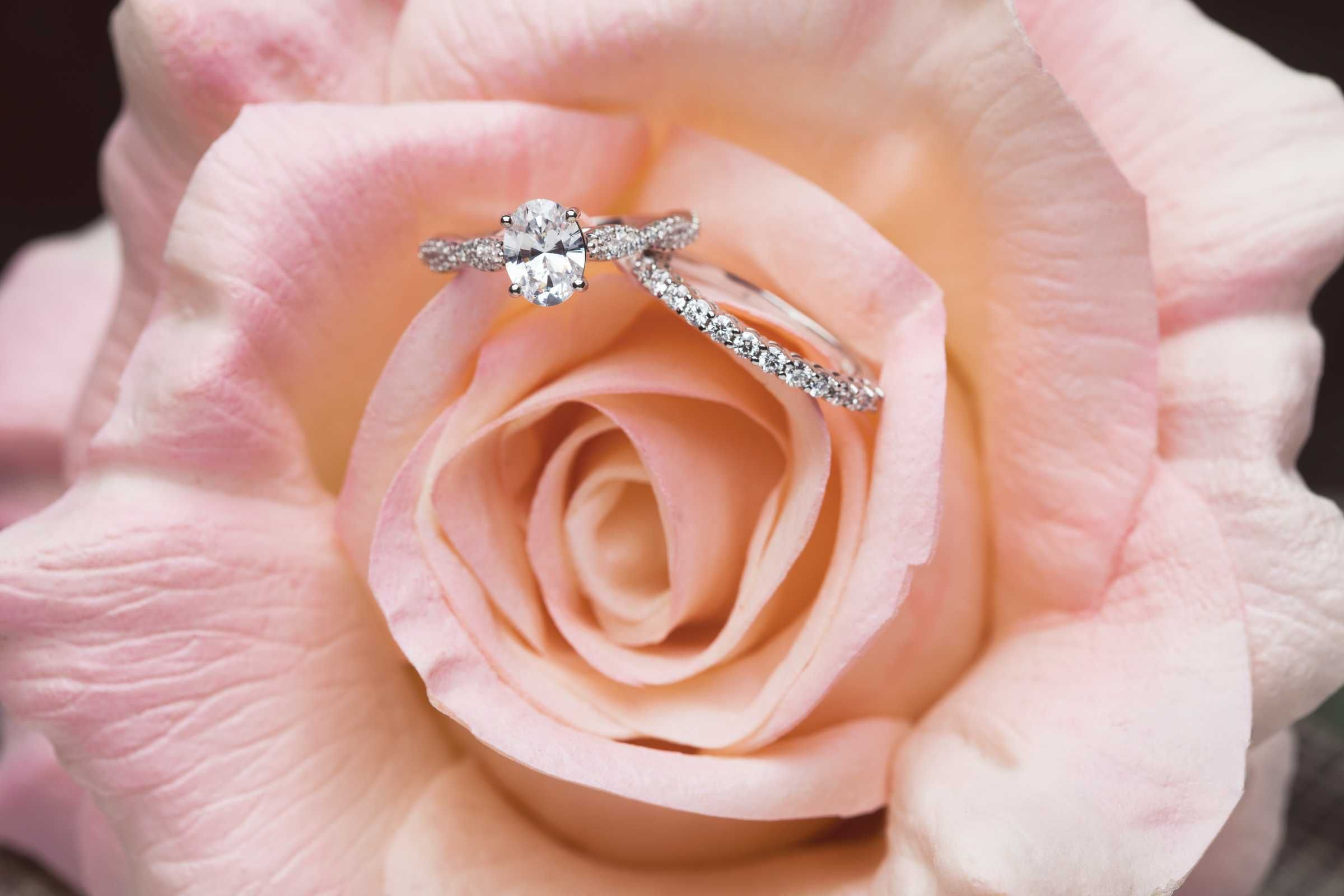 This infinity-inspired engagement ring has us swooning! Part of our ...
