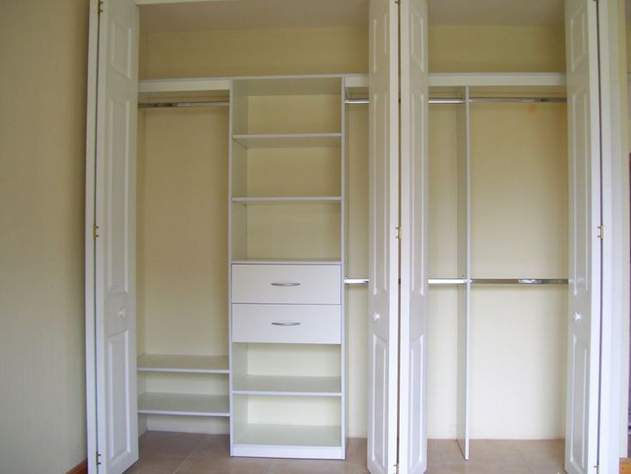 Closet de pared sin puertas buscar con google for Closet para cuartos matrimoniales
