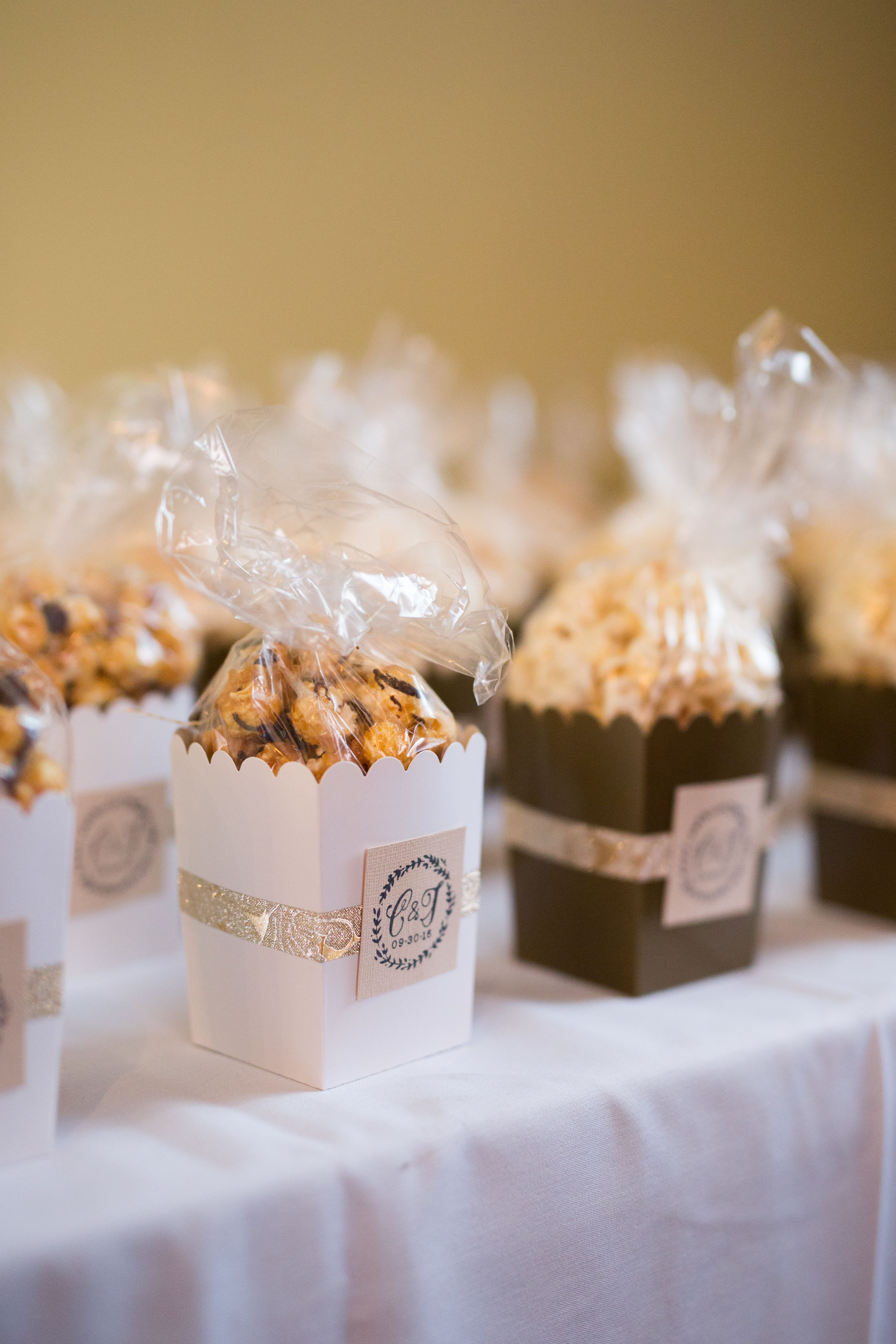Small caramel corn or candy favor boxes Popcorn wedding