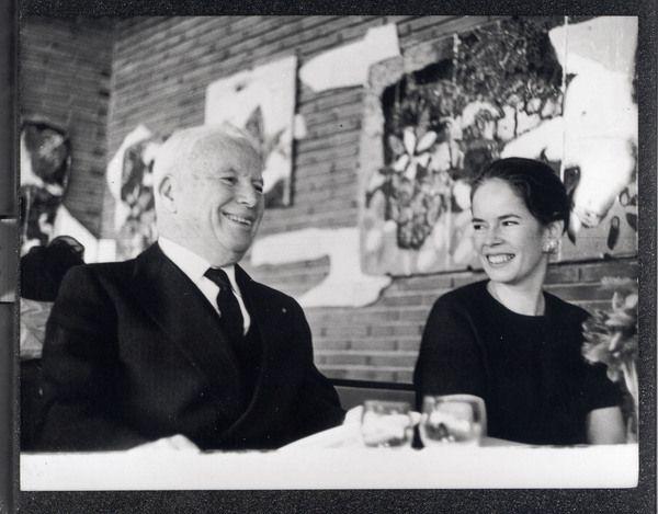 Charlie Chaplin and Oona Chaplin on wedding day | charles ...
