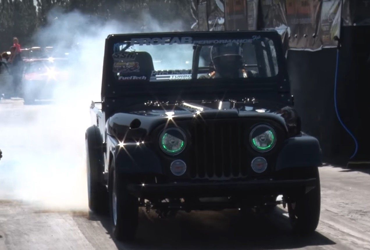 Meet the turbocharged, V8-powered Jeep that's faster than a Porsche https://yhoo.it/2nMNLuL