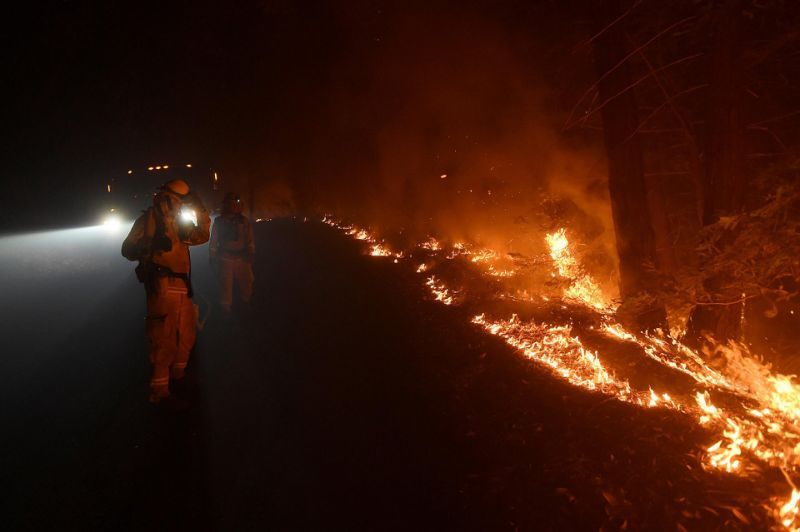 California Wildfire Forces Big Sur Parks to Close.... .https://www.yahoo.com/news/california-wildfire-forces-big-sur-120506483.html?soc_src=social-sh&soc_trk=tw