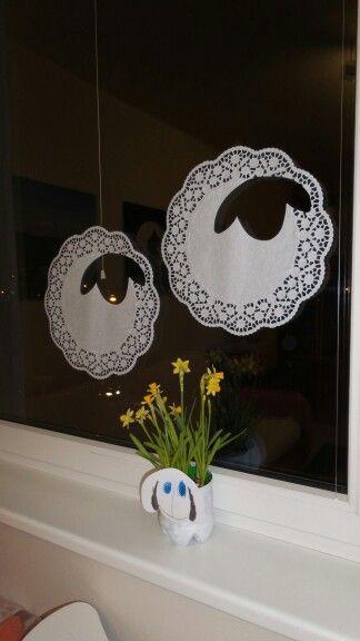 Ovečka na okně