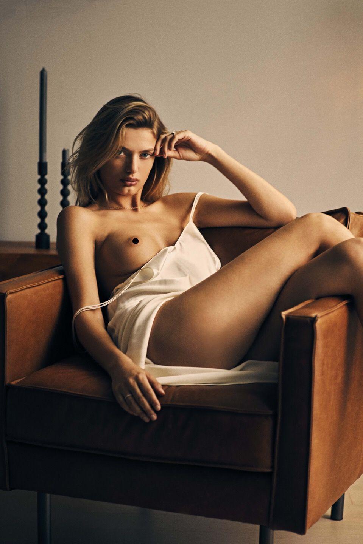 nude (24 photos), Cleavage Celebrites foto