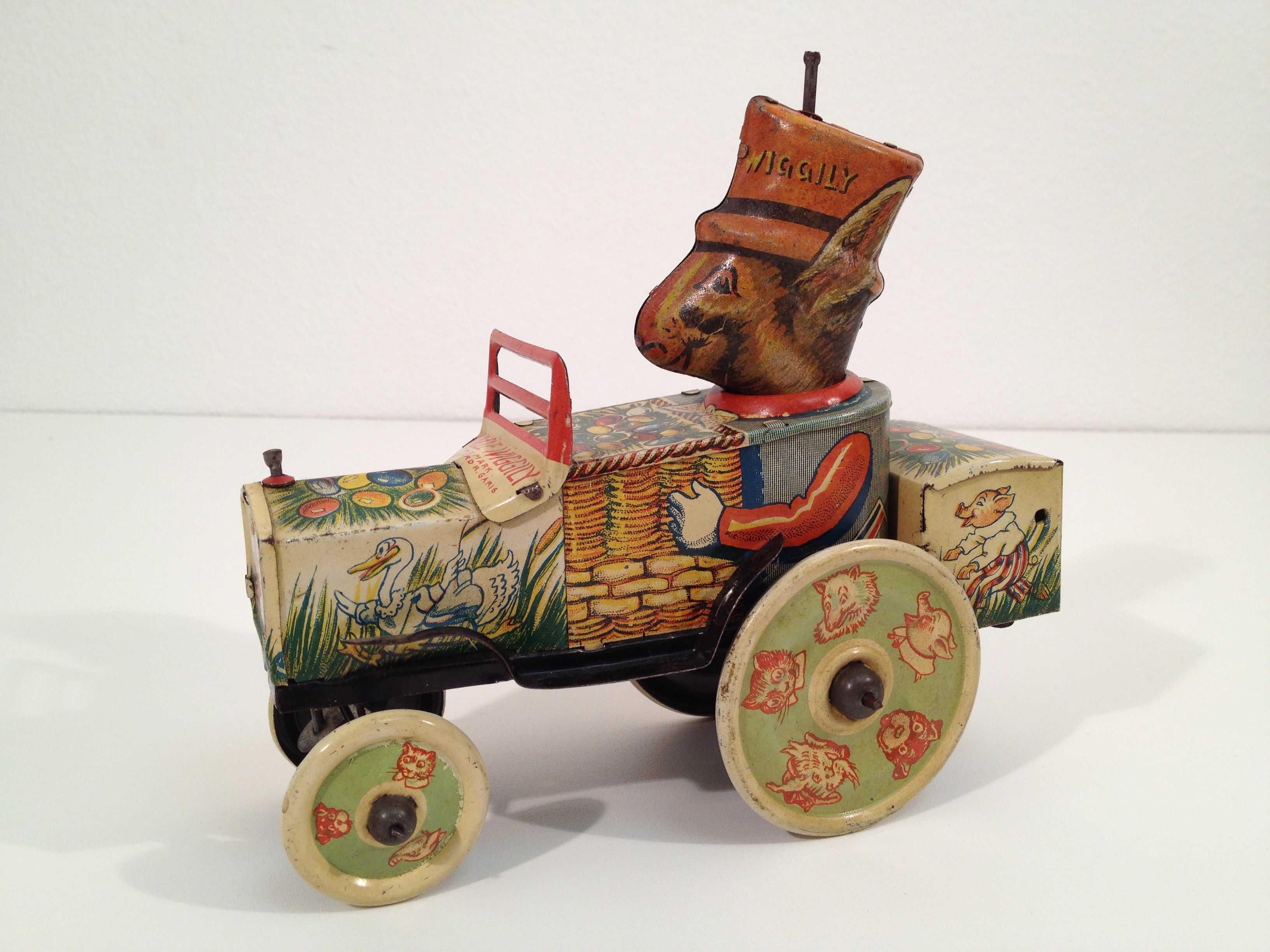 Toys cars pics  us Marx Uncle Wiggly Windup Tin Toy Car