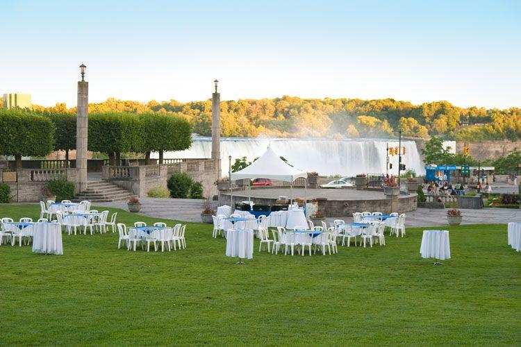Weddings Photo Gallery Niagara Falls Destination Weddings Wedding Venues Ontario Niagara Falls Wedding Fall Wedding